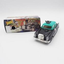 produit-portugais-petite-voiture-taxi-pepe_810