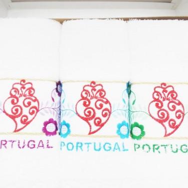 produit-portugais-boite-3-essuies-mains-brodes-coeur-de-viana-portugal_804_1
