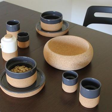 produit-portugais-coffret-de-4-tasses-a-cafe-ceramique-et-liege-gris_352_3