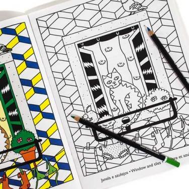 produit-portugais-edicoes-19-de-abril-livre-a-colorier-lisboa_625_1