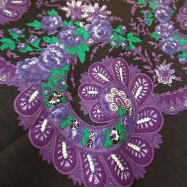 produit-portugais-foulard-portugais-do-minho-noir-lilas_799_2