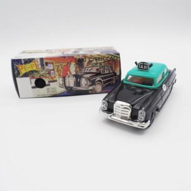 produit-portugais-petite-voiture-taxi-pepe_810_0